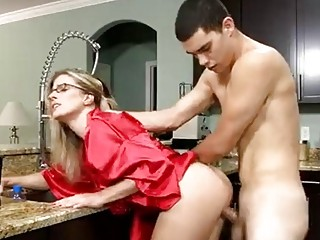 Hot mommy is fucked by a horny dude