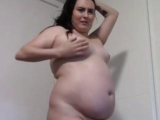 Seductive BBW shows off her body on camera
