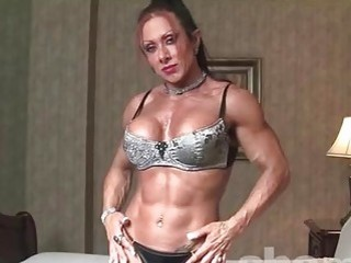 Muscular mature gal teases and wants to be double penetrated