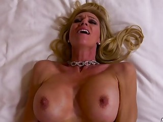 Big ass blonde cougar MILF fucks in POV with hunk