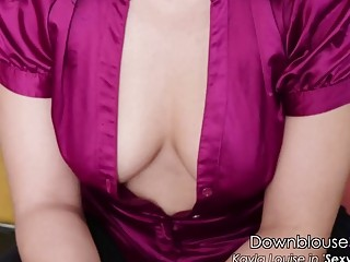 Downblouse babe with big butt loves to cock tease solo