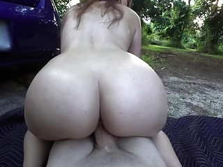 Outdoor public sex session for a brunette with a big ass