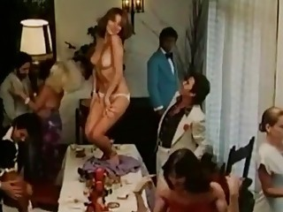 Carmen Russo is one of those celebrities that love nudity