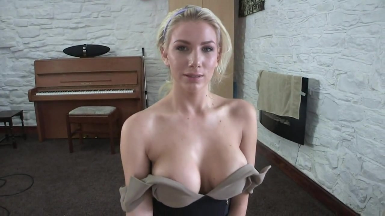 Blonde Downblouse Gal Shows Off Her Big Tits Hd Videos Yesvids Com